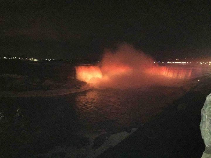 Niagara Falls Canada! Friends or Family Getaway!