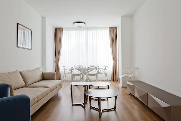 Fully equipped apartment on Rothschild Blvd