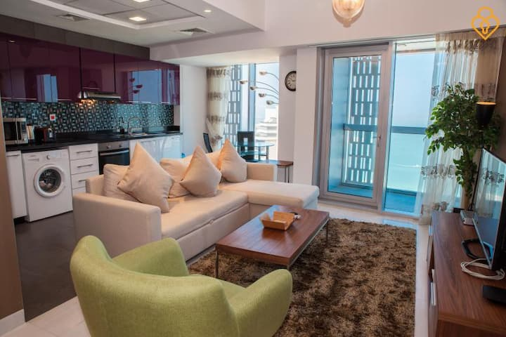 Beautiful 1 Bed Infinity/Cayan Tower