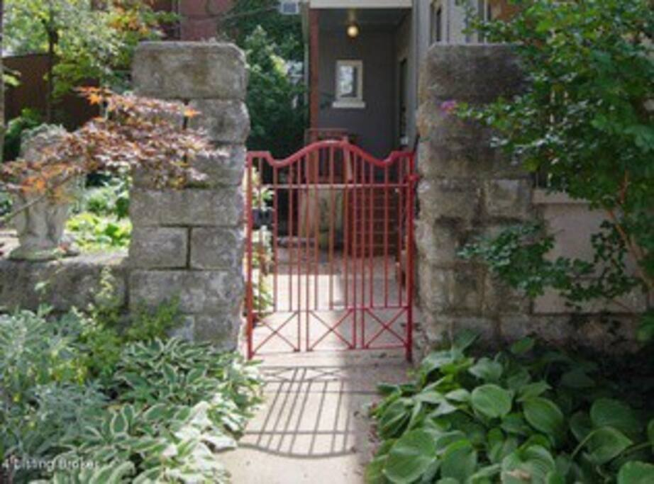 The red gate side entrance.