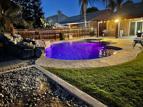 Beautiful Home w/Pool&Patio Close to Nat'l Parks