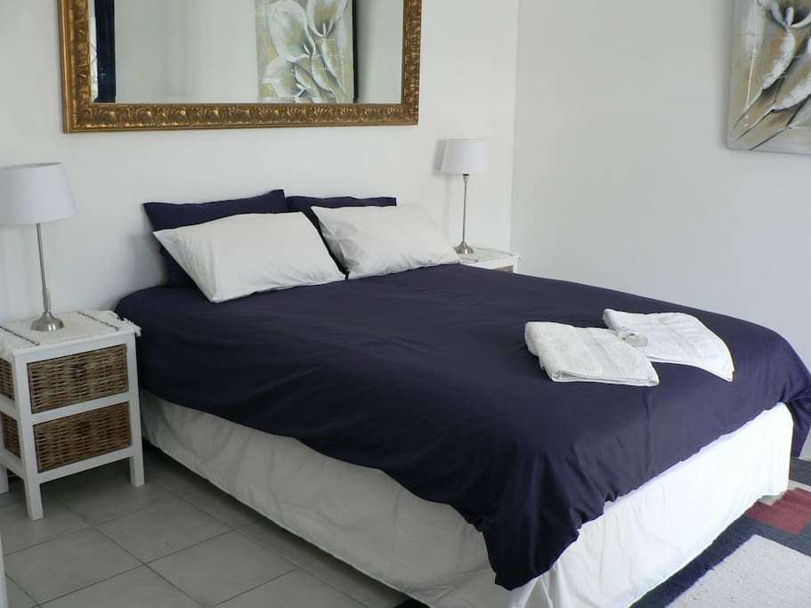Luxurious Queen extra long bed