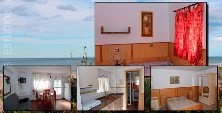 Studio with 2 big beds right by the beach