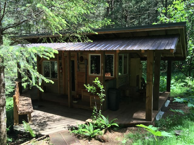 Rustic, Romantic, Cabin Retreat mins. to Eugene - Eugene - Chatka
