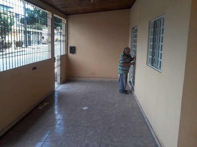 Casa no Parque Dez para temporada - Manaus - Hus