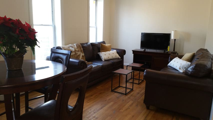 NEW.. Be the 1st to Rent this Modern Clean 2br Apt - Jersey City - Apartamento