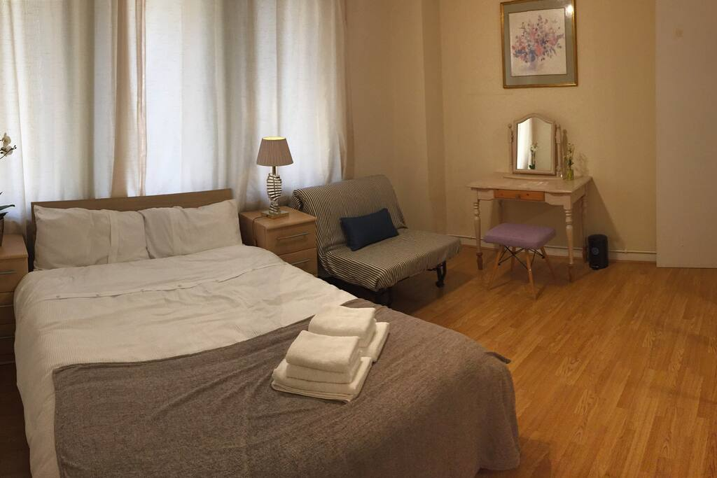 Ensuit bedroom
