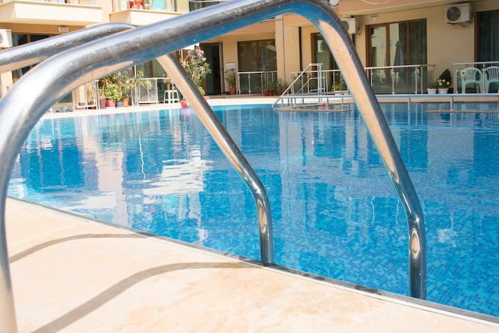 ❤️❤️Studio with private exit to swimming pool❤️