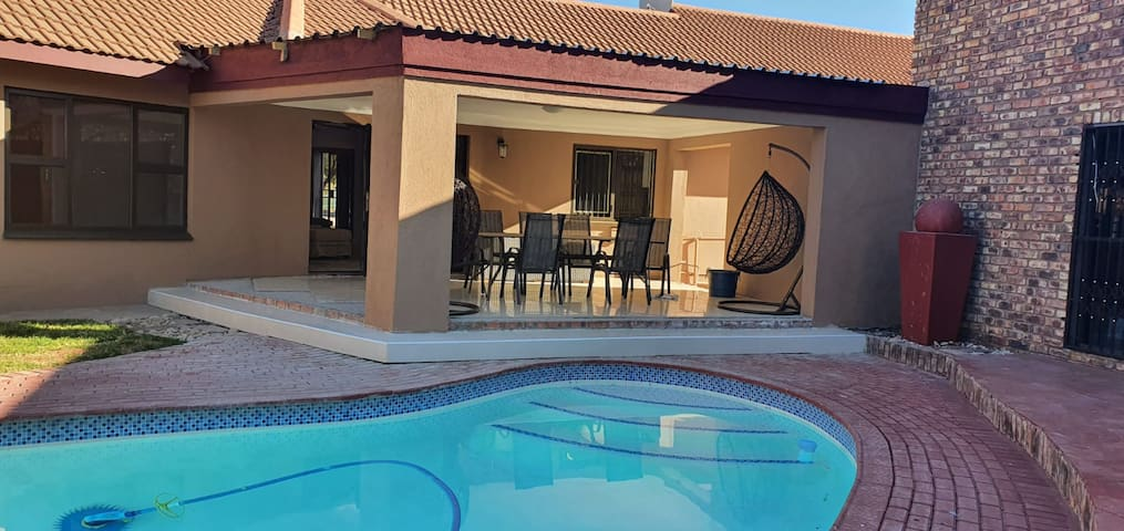 Very beautiful family Villa with spectacular pool.