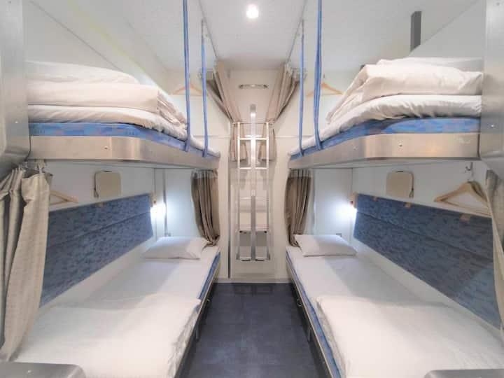 Private dorm room/floor charter/22 bunk beds/WiFi