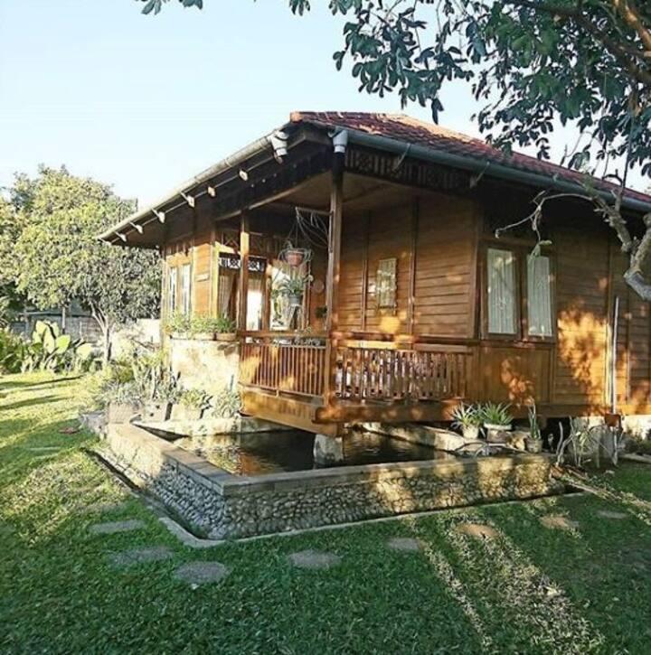 "Private Wooden House Cabin Villa ""Pinarak"" Ciwidey"