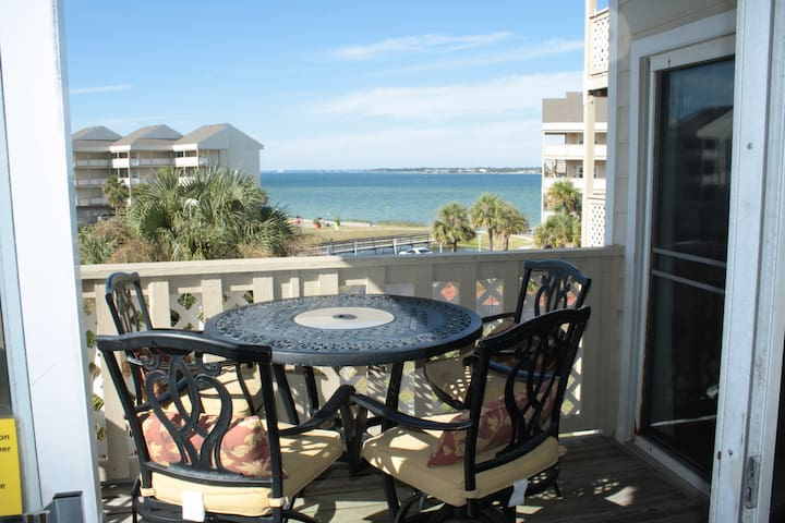 Waterfront Condo in Pensacola Beach with Pool! - Pensacola Beach - Condominium