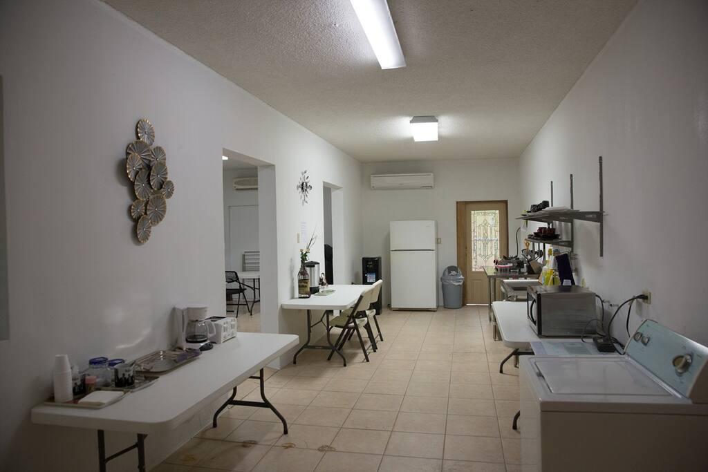 Cafeteria (Kitchen)