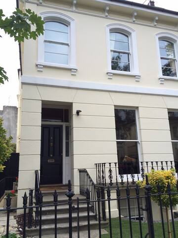 Luxury Period Town House, Cheltenham Town Centre - Cheltenham - House