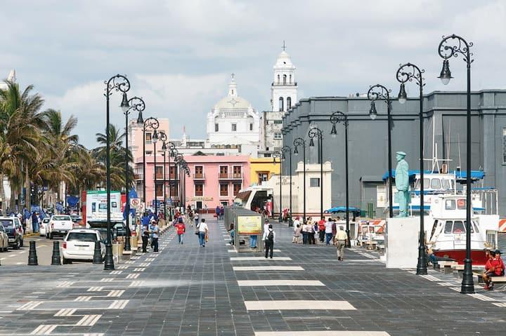 El Corazon de Veracruz a 2 cuadras de la Playa