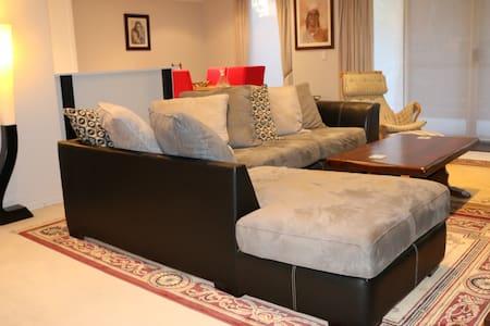 Beautiful Adelaide CBD Living Private Room/Ensuite