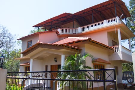 4BHK Luxury Villa Home - North Goa - Vila