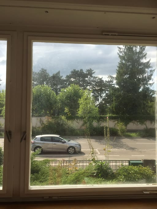 Vue par la fenêtre.