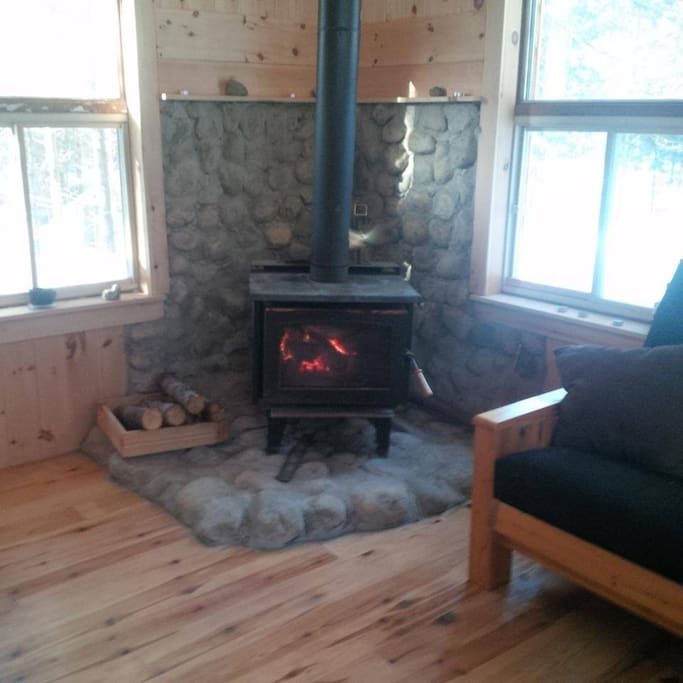 Woodstove to keep the cabin toasty warm