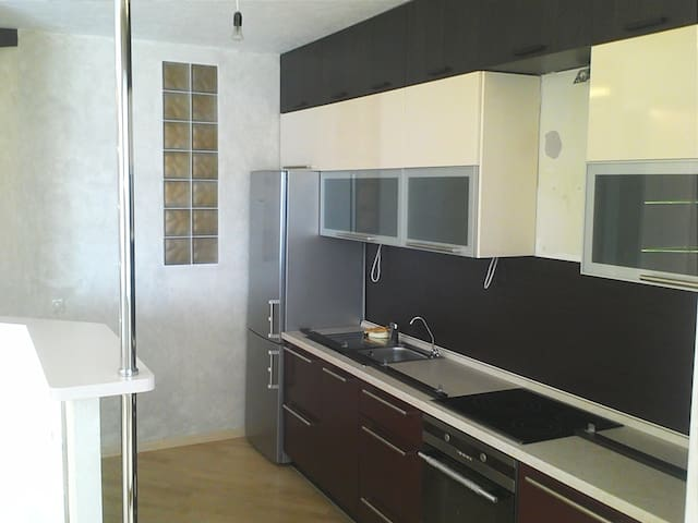 Современная квартира с отличным ремонтом - Nizhniy Tagil - Apartment