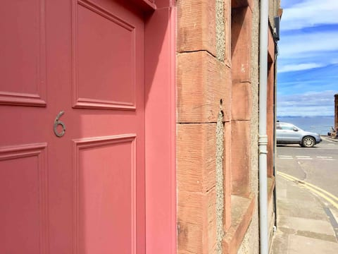 Newly renovated ground floor flat in North Berwick