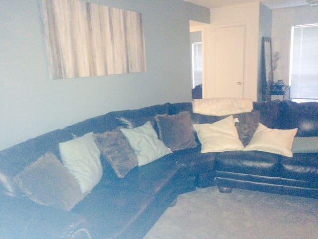 Huge Space 2bed 2 bath w pool - Smyrna - Appartement