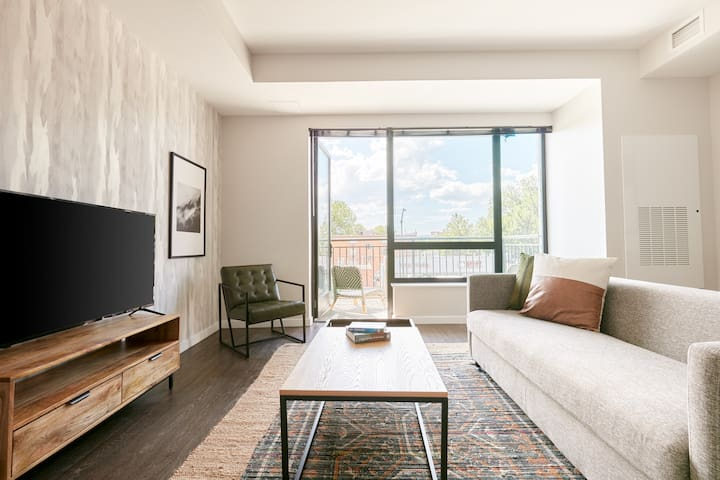 Sonder *Weekly Discounts* Private 1BR + Balcony