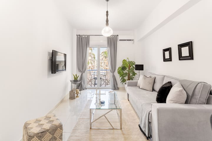 Sophisticated chic apartment in lively Koukaki!