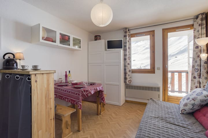 Studio with cabin for 4 persons in Tignes next to the slopes and close to the shopes in Le lac area