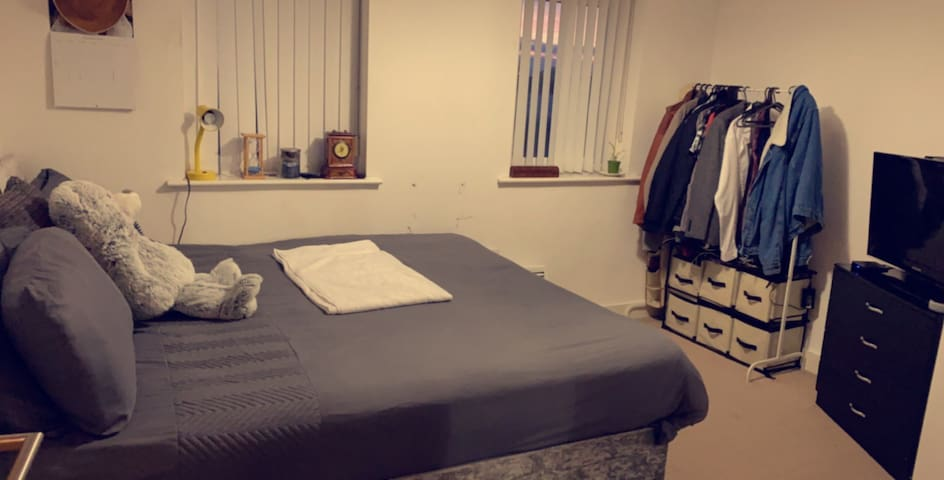 Clean and cosy apartment near City centre