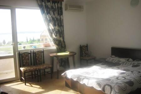 """3 комнатный апартамент """"Славянка"""" с видом на море. - Chernomorets - Daire"""
