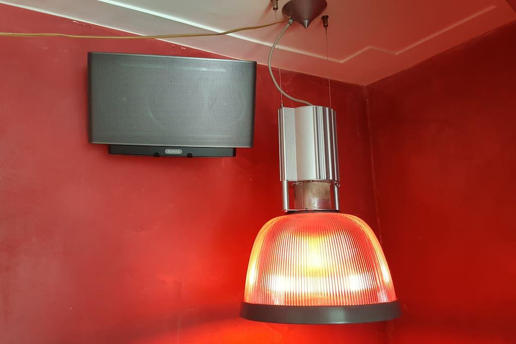 Philips Hue Lightning & Sonos Hifi sound