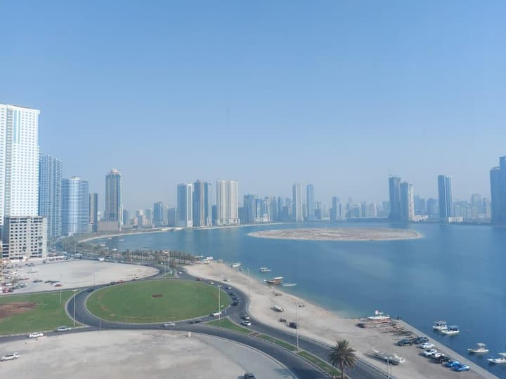 Corniche View 1 Bedroom Flat - 5 mins from Dubai