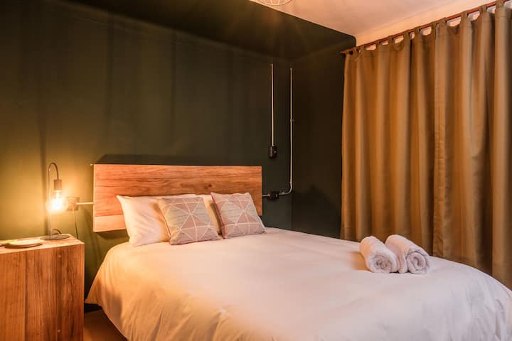 Selina Cusco Saphi - Small Room Shared Bathroom