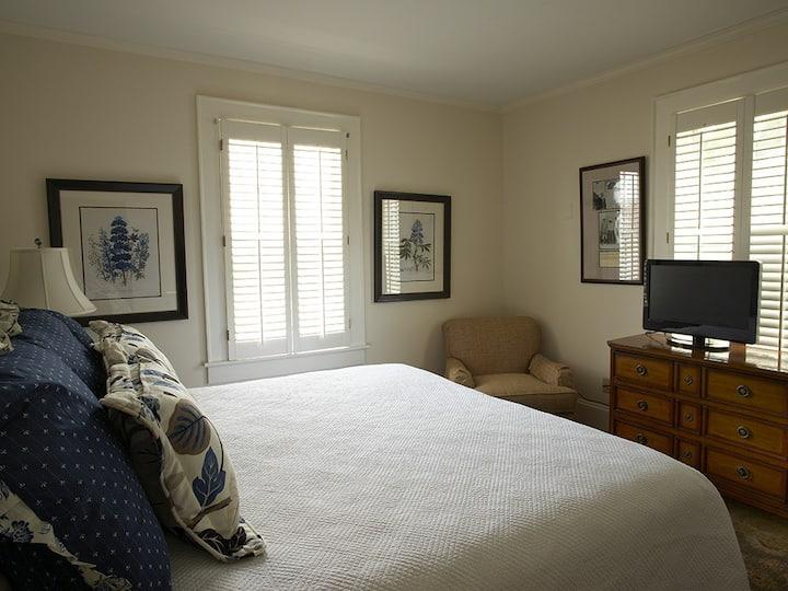 King Room at the Smithfield Inn