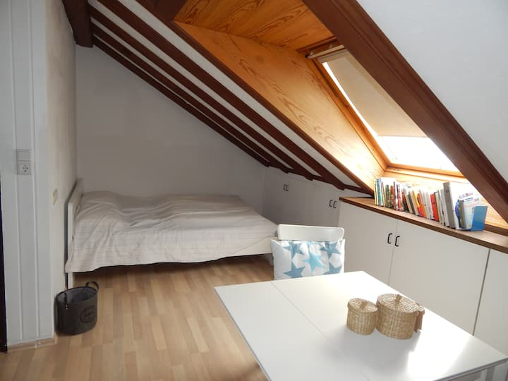 Doppelbettzimmer in zentraler Lage/Düsseldorf
