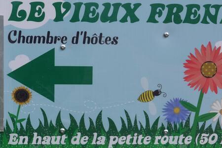 LE VIEUX FRENE - Vernet-la-Varenne - Ev