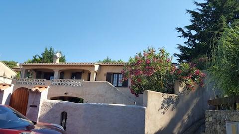 Studio in Villa French Riviera