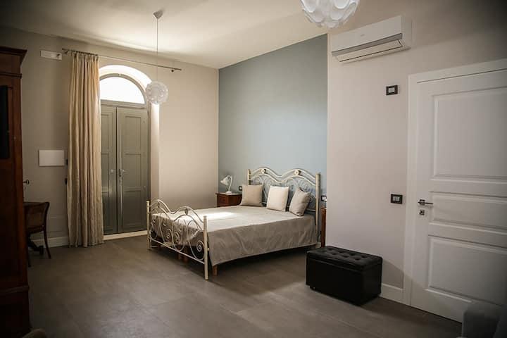 Lavender Room - Villa Pampalone