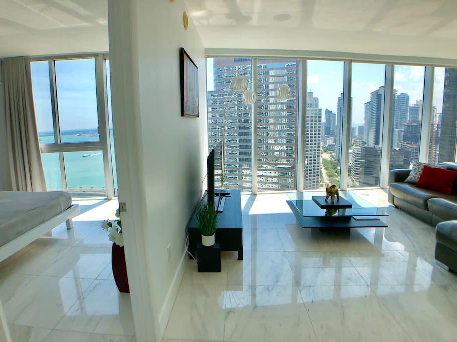 Living room area with gorgeous views Miami