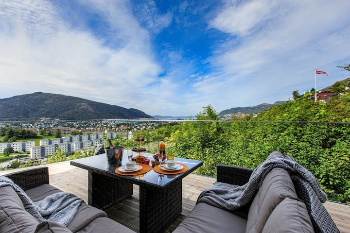 Spacious house with panorama view of Bergen