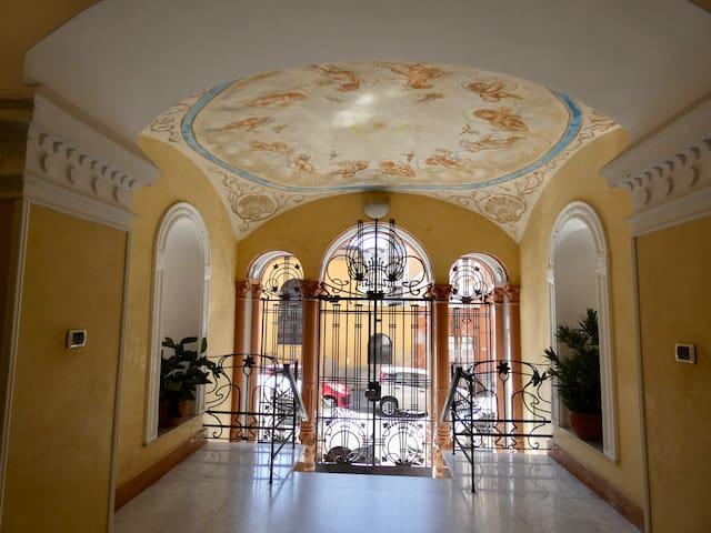 Hall Palazzo Campodonico