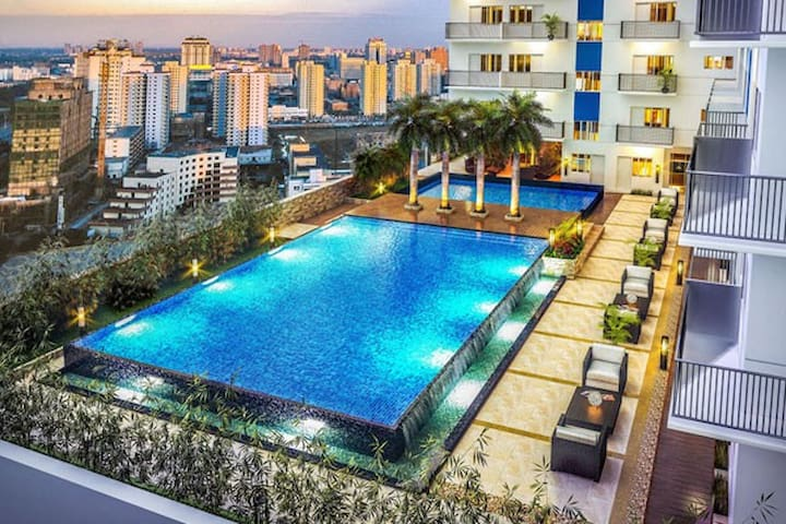 Brand New Upper Condo with Views Upto 5 Guests