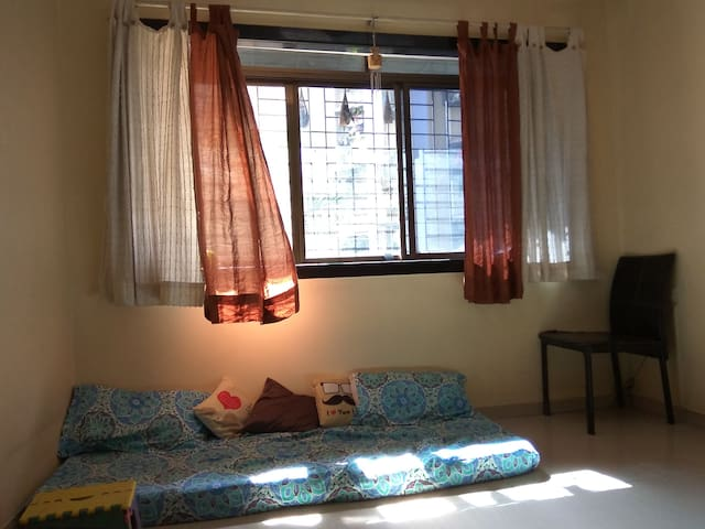 Comfortable modern furnished homely environment. - Mumbai Suburban