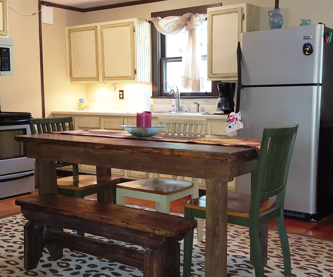 cozy cabin in the piney woods cabins for rent in colmesneil