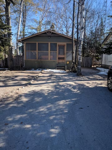 Wasaga Beach cottage rental for 2020 ski season.