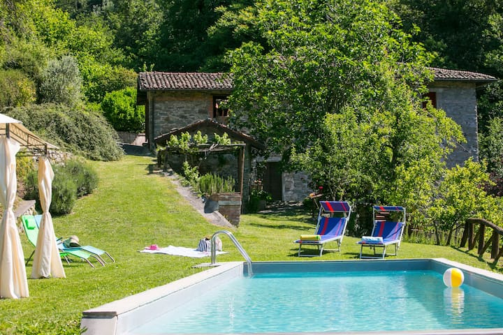 Tuscan watermill, private pool & private waterfall