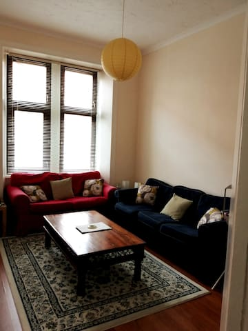 2 bedroom flat in Glasgow's West End