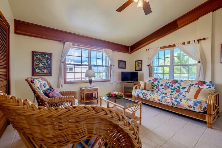 Condo living area (with queen sleeper sofa & futon)