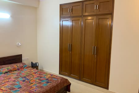 2 Bedrooms in South Delhi with Kitchen/Dining.